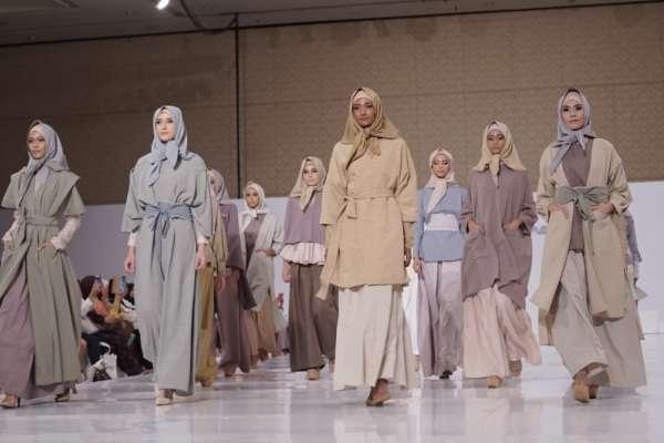 Model Desain Baju Muslim Modern dari Desainer Top Indonesia