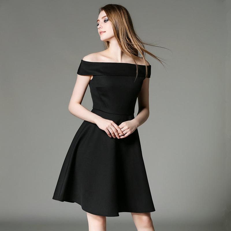Model Long Dress Lengan Pendek dengan Kesan Sexy
