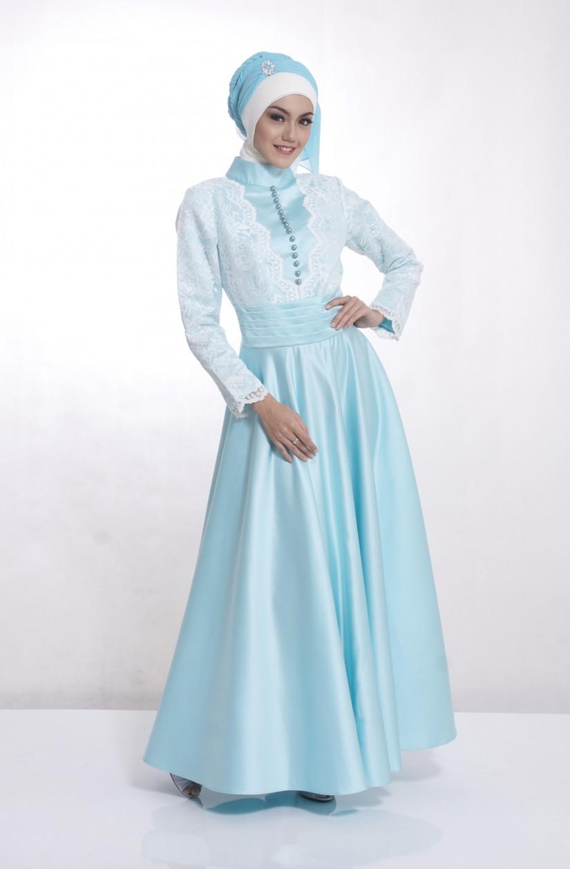 Long Dress Untuk Pesta Pernikahan Elegan Dengan Warna Putih Klasik