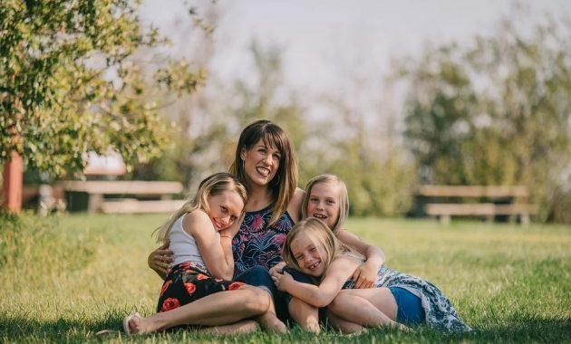 4 Tips Menjadi Mama Kece dengan Percaya Diri dan Bahasa Asing